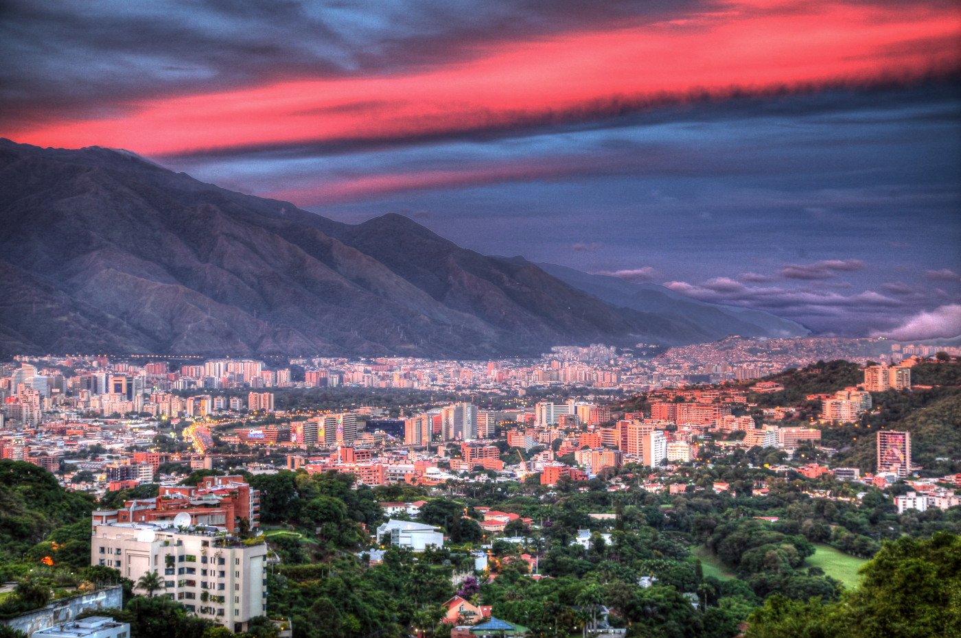 img_9962_3_4_6_7_tonemapped-sunset_caracas