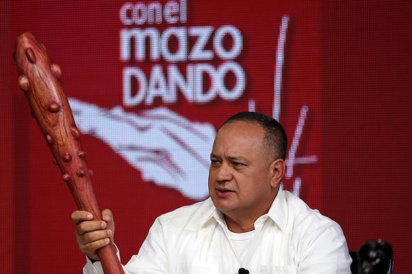 ConelMazoDando