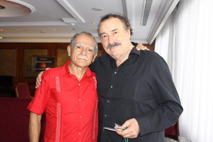 López Rivera con Ignacio Ramonet (Foto Verónica Díaz)
