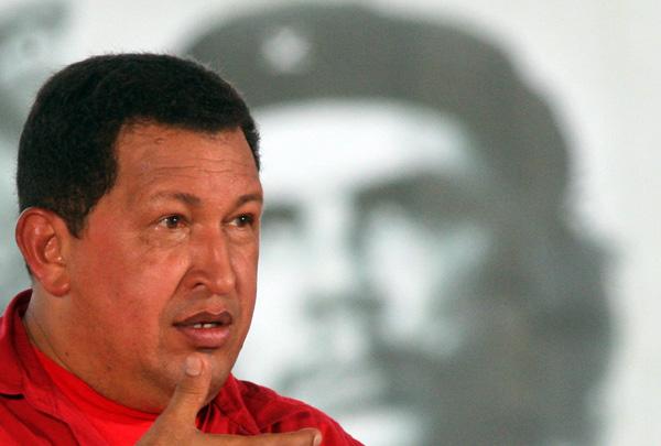 El Presidente de Venezuela, Hugo Chavez, realizo el programa televisivo Alo Presidente desde la Plaza Che Guevara, en Santa Clara. Foto: Ismael Francisco/Cubadebate.