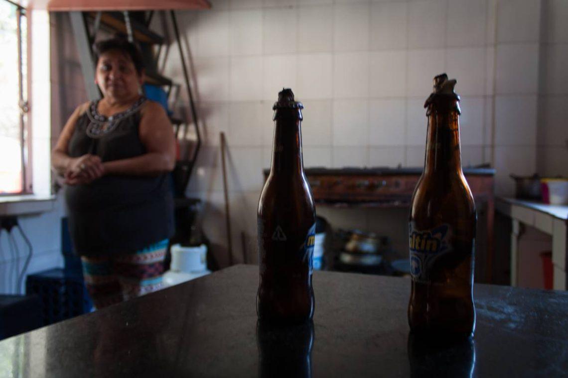 Foto 3 Investigacion CuatroF electricidad Venezuela creatividad cerveza mechero apagon english